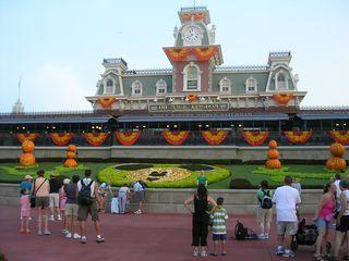 Magic-kingdom-entrance-disney-world